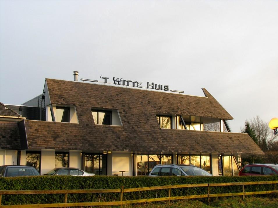t Witte Huis - Donkerbroek - Friesland Reclame - Lichtreclame, NEON ...